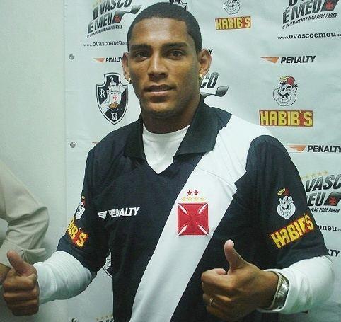 Adriano Ferreira Martins wwwogolcombrimgjogadores6710767oriadrianojpg