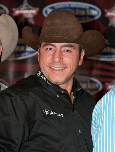 Adriano Moraes Adriano Moraes Pictures PBR amp Garth Brooks Teammates For