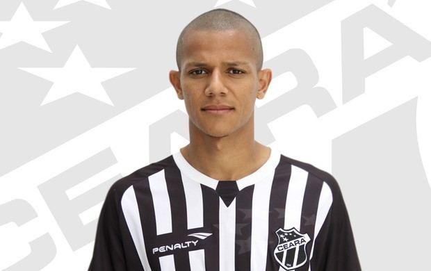 Adriano Pardal Atacante Adriano Pardal assina com Cear Venho mostrar bom futebol