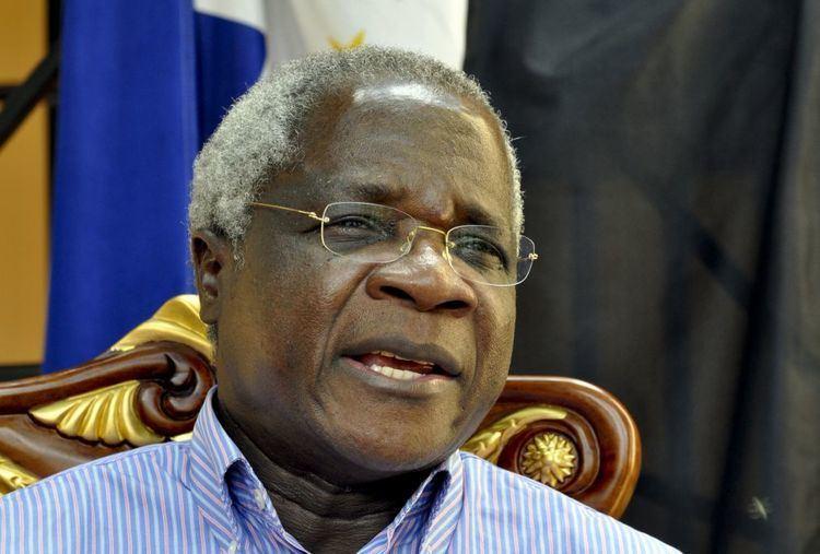 Afonso Dhlakama Mozambique39s opposition leader Afonso Dhlakama UNHURT