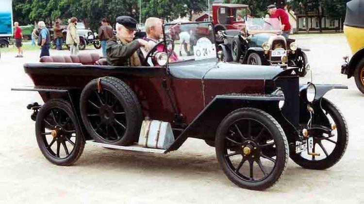 AGA (automobile) httpsuploadwikimediaorgwikipediacommons99