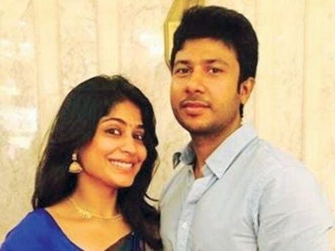 Agathiyan Actress Vijaya laksmi fall in love with an Asst Director Hot Tamil