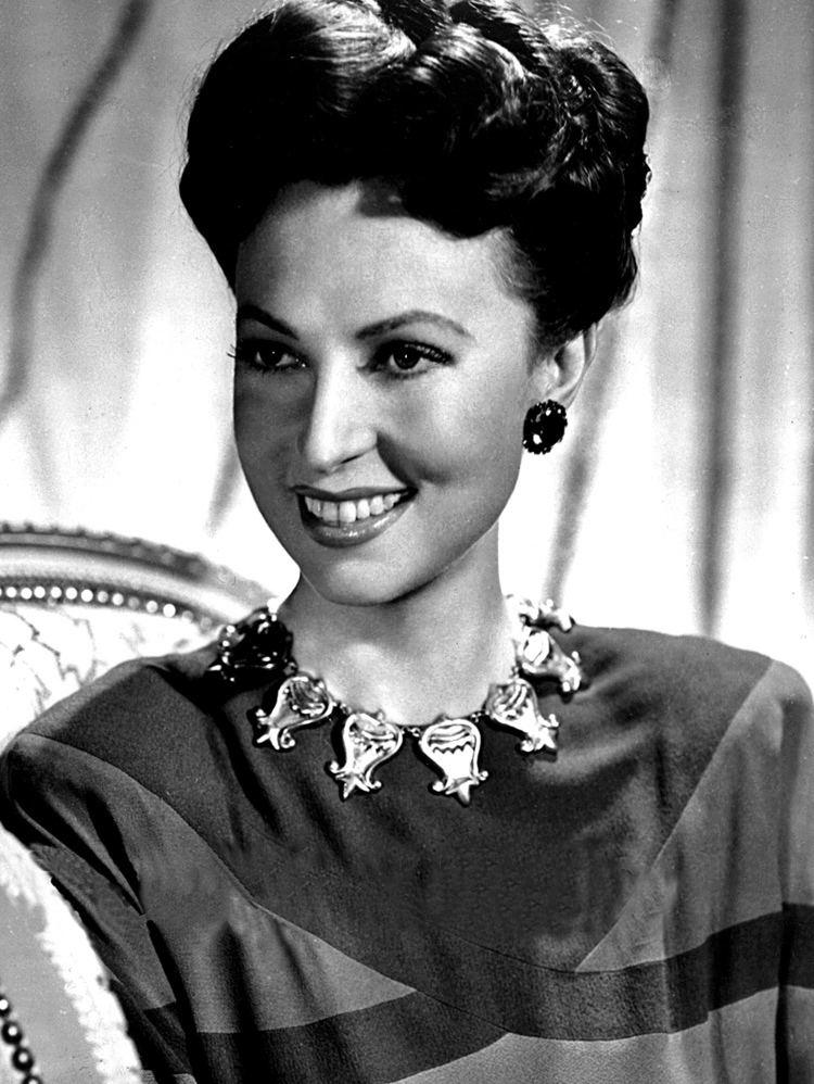 Agnes Moorehead httpsuploadwikimediaorgwikipediacommonsdd