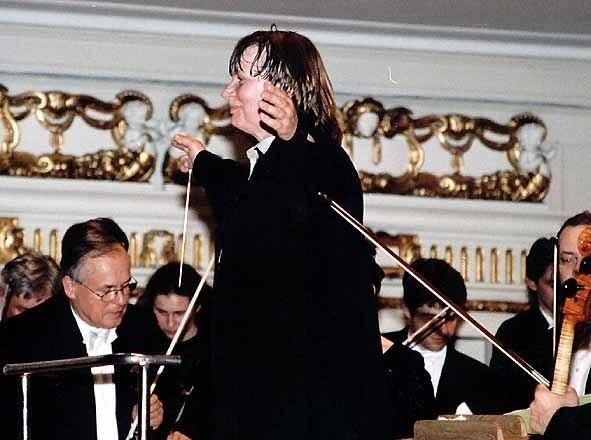 Agnieszka Duczmal Agnieszka Duczmal Conductor Short Biography