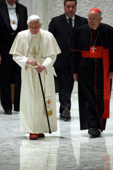 Agostino Vallini Agostino Vallini Pictures Pope Benedict XVI Meets Parish
