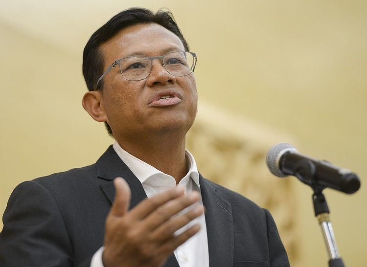 Ahmad Shabery Cheek Major Financial Scandals That Rocked Malaysia Before 1MDB Was Even A