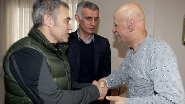 Ahmet Suat Ozyazici Trabzonspor39da Ahmet Suat zyazc39ya ziyaret