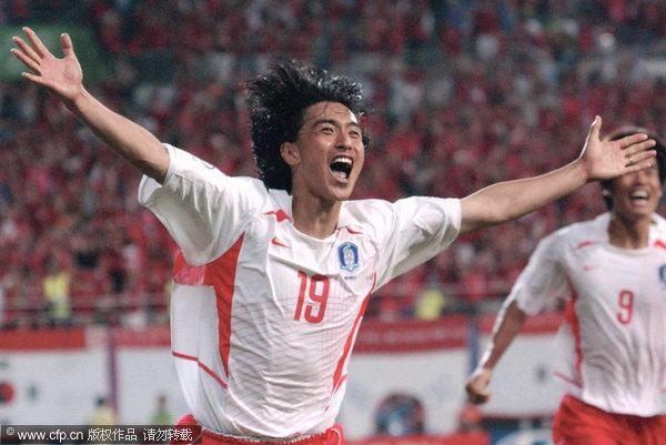 Ahn Jung-hwan S Korean football star Ahn Junghwan retires Stars