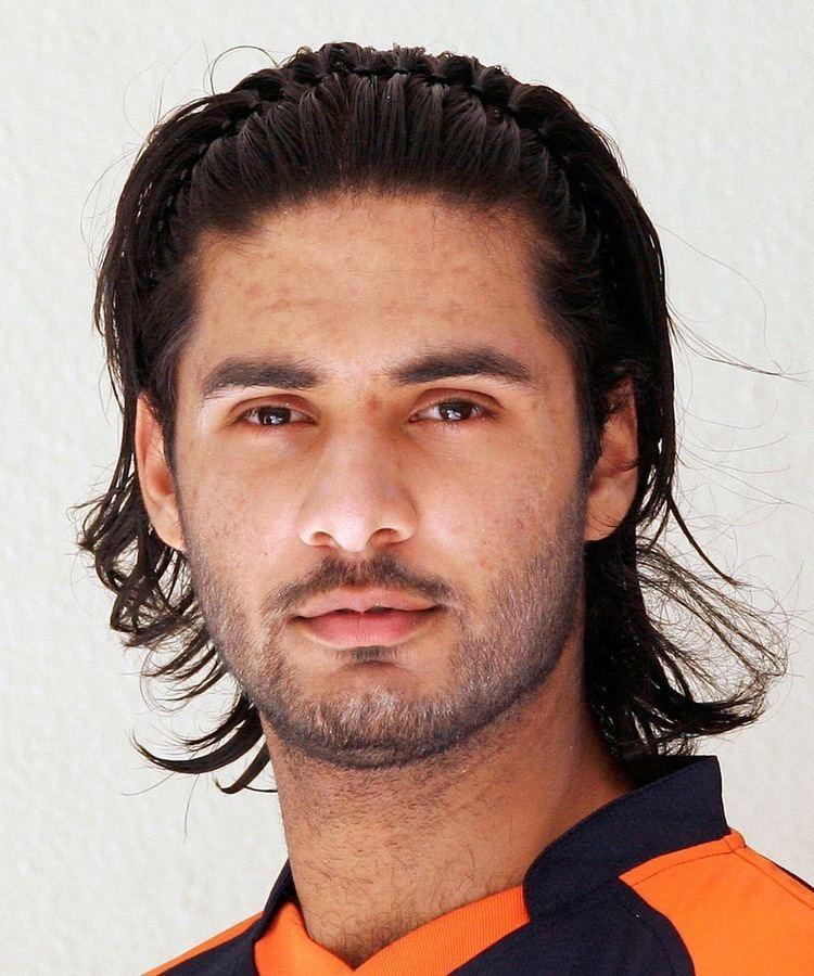 Ahsan Malik (cricketer) 2bpblogspotcomL4DnaWdH9kYVH69xrn1b7IAAAAAAA