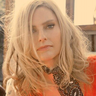 Aimee Mann httpspbstwimgcomprofileimages25697115740w