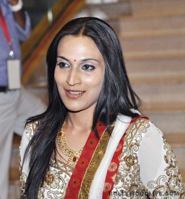 Aishwarya R. Dhanush st1bollywoodlifecomwpcontentuploads201309A