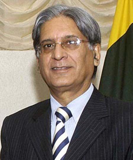 Aitzaz Ahsan Barrister Aitzaz Ahsan Maverick Pakistanis