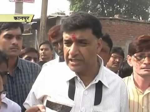 Ajay Kapoor (politician) Kanpur MLA Ajay Kapoor visits homes in his constituencies to solve