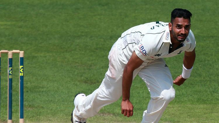 Sussex sign pace bowler Ajmal Shahzad from Nottinghamshire Cricket