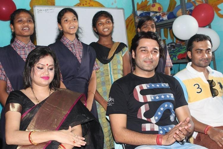 Akash Dasnayak Odia Actor Akash Dasnayak celebrates Bday with Orphanage Kids
