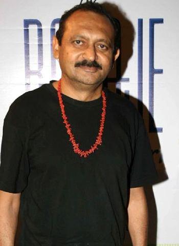 Akhil Mishra wwwbolegaindiacomimagesgossipsakhilmishrapo