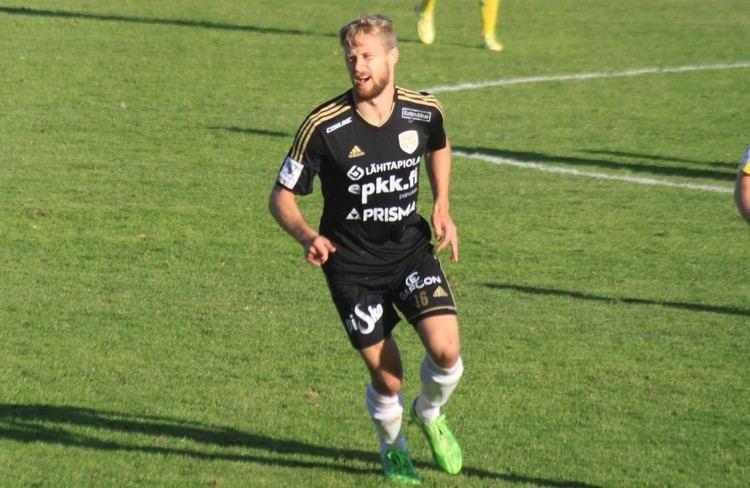 Akseli Pelvas Akseli Pelvas teki kaksi maalia Ilves kaatui 21