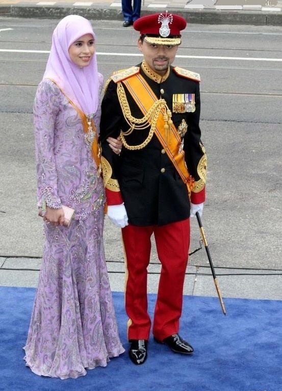 Al-Muhtadee Billah PHOTOS Le prince AlMuhtadee Billah de Brunei et la