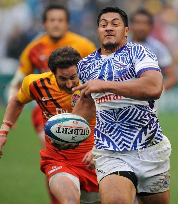Alafoti Fa'osiliva Samoa39s Alafoti Faosiliva out paces England39s Ben Gollings