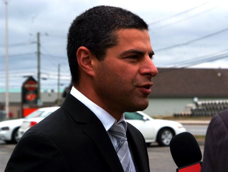 Alain Rayes Le maire de Victoriaville Alain Rayes sera candidat
