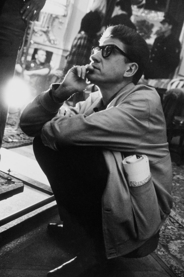 Alain Resnais Alain Resnais contemplates love in Hiroshima by ActingOut