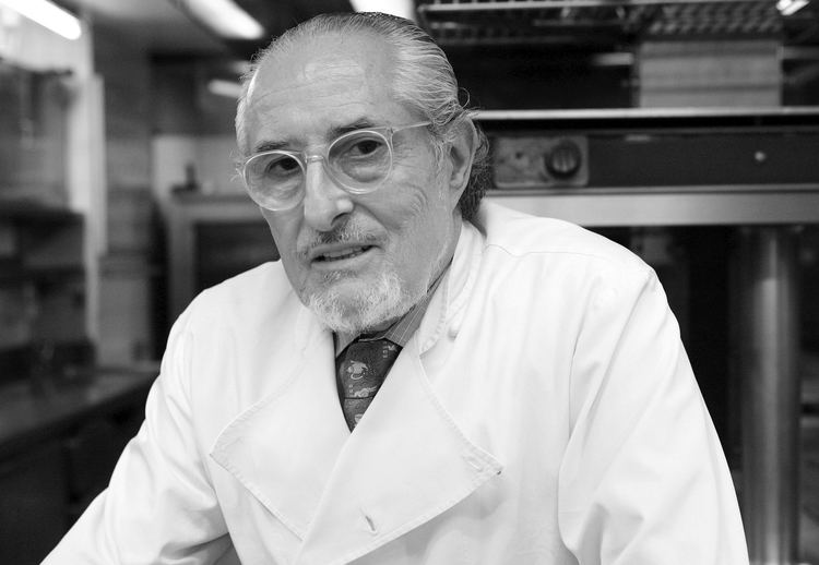 Alain Senderens Alain Senderens worldrenowned chef who helped to transform