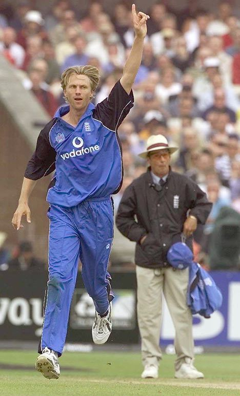 Alan Mullally (Cricketer)