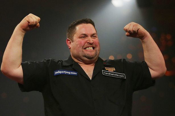 Alan Norris (darts player) VIDEO Watch Alan Norris beat Andy Fordham in the Daily