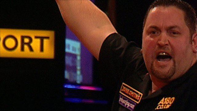 Alan Norris (darts player) BBC Sport Darts Alan Norris chucks quickfire
