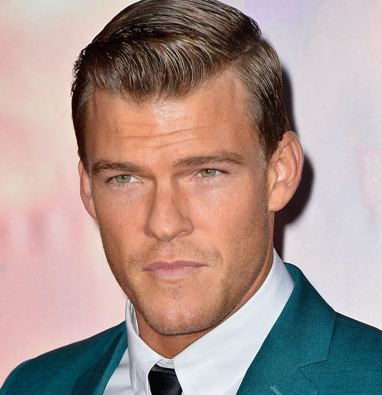 Alan Ritchson Ritchson Wiki Married Girlfriend or Gay and Net Worth