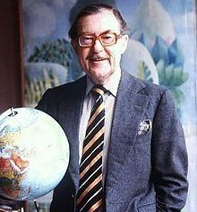 Alan Whicker Alan Whicker Wikipedia the free encyclopedia