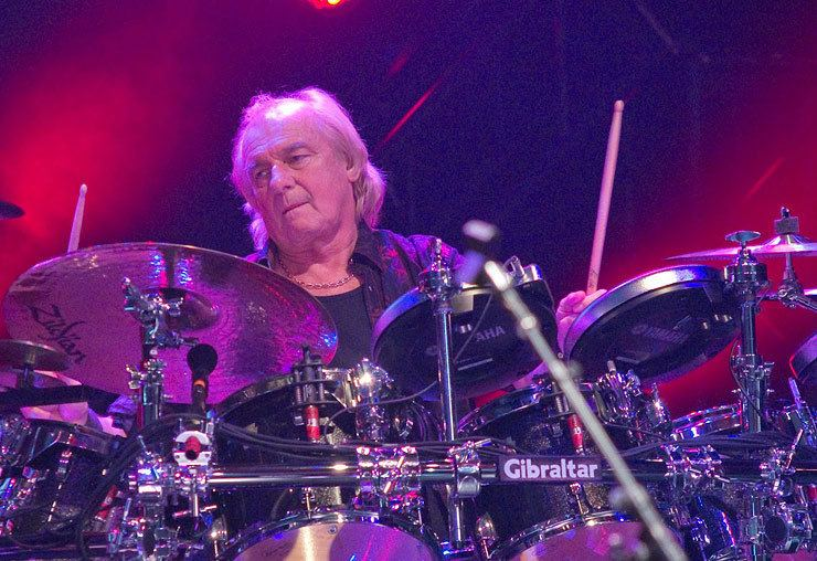 Alan White (Yes drummer) Drummerworld Alan White