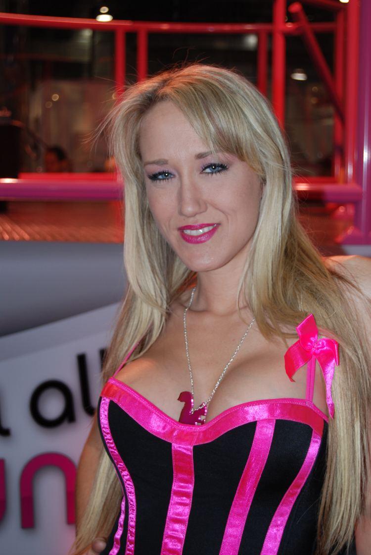 Alana Evans httpsuploadwikimediaorgwikipediacommonsaa