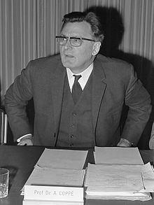 Albert Coppe httpsuploadwikimediaorgwikipediacommonsthu