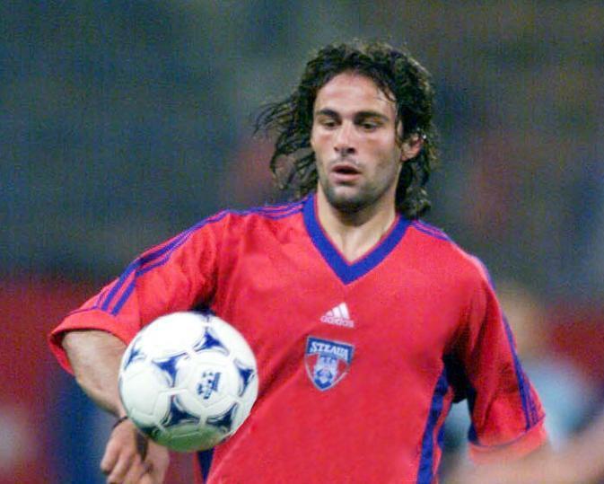 Albert Duro Steaua Bucureti 19992000 home shirt Football Shirts