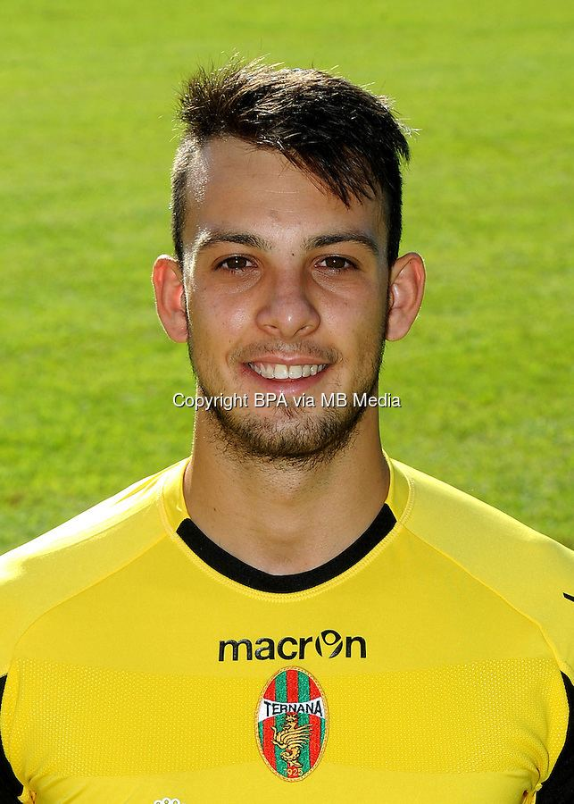 Alberto Brignoli Classify northern Italian footballer Alberto Brignoli
