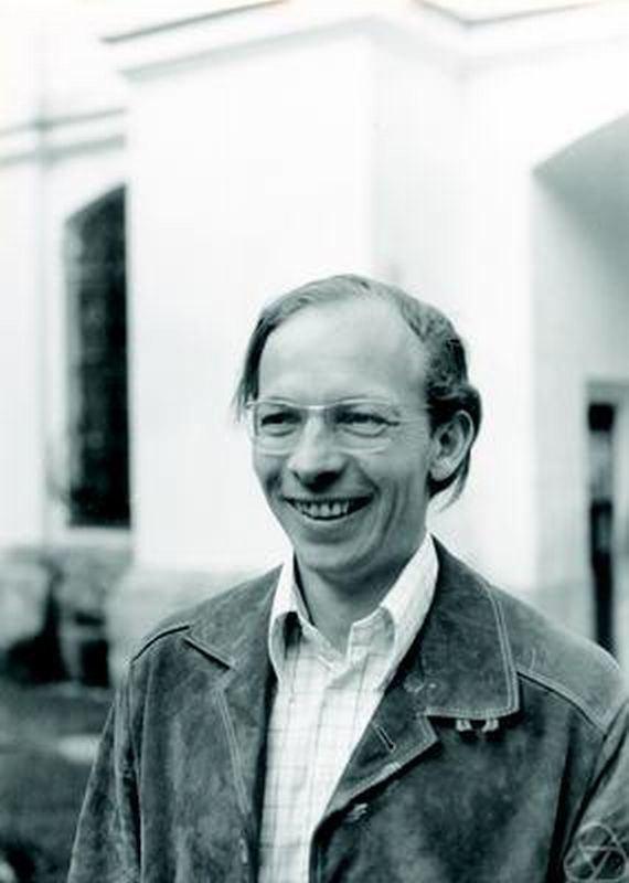 Albrecht Pfister (mathematician) uploadwikimediaorgwikipediacommons114Albrec