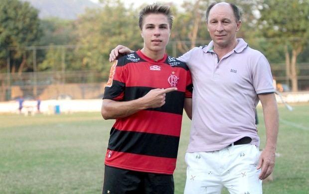 Alcindo Sartori Alcindo vai Gvea e v filho marcar em goleada dos