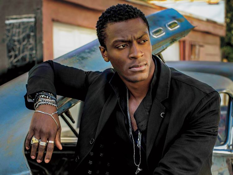 Aldis Hodge Why Aldis Hodge Loves Working with Tom Cruise