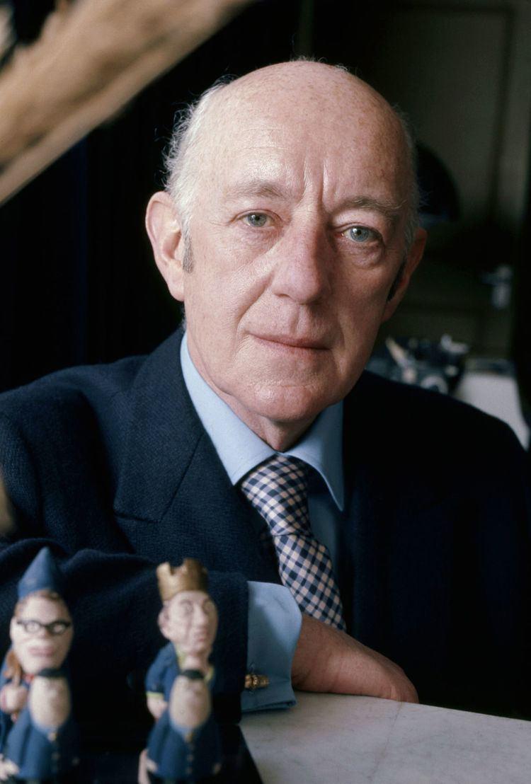 Alec Guinness httpsuploadwikimediaorgwikipediacommonsthu