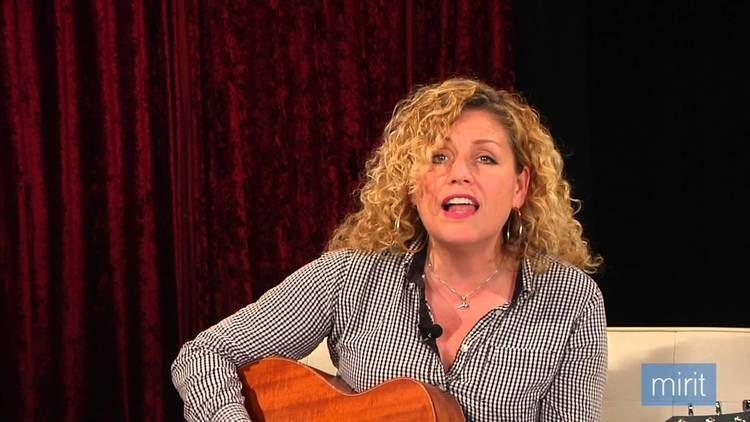 Aleena Gibson Aleena Gibson Sings Damn Im in Love Mirit Hendrickson Miritcom