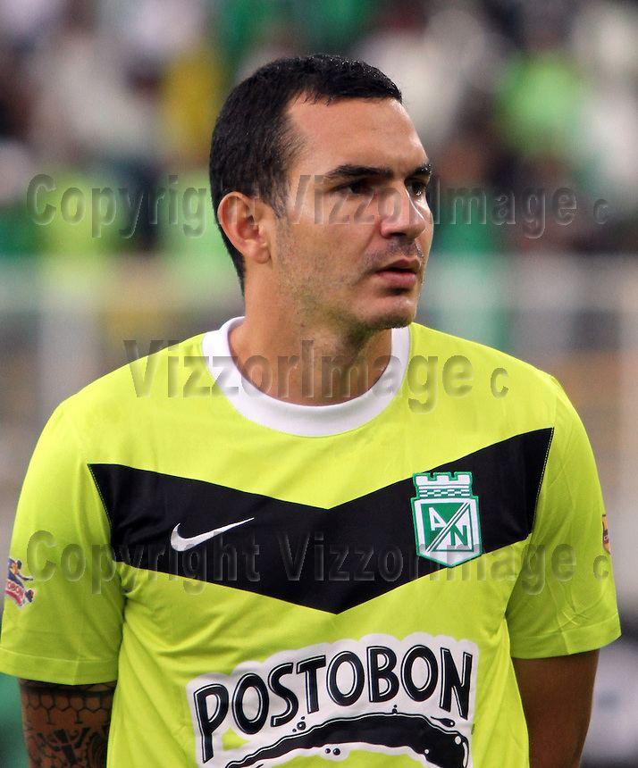 Alejandro Bernal Alejandro Bernal jugador del Atltico Nacional VizzorImage