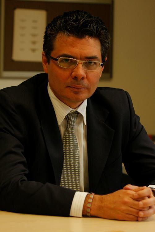 Alejandro Gaviria Uribe Alejandro Gaviria Uribe