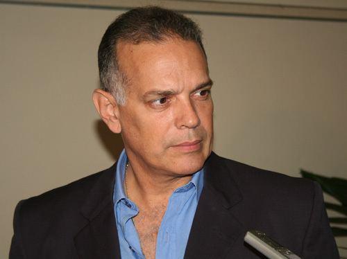 Alejandro Pena Esclusa fuerzasolidariaorgwpcontentuploads201101Ale