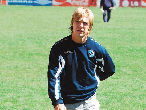 Alejandro Schiapparelli wwwlarazoncommarcasfutbolBolivarDespuesFot