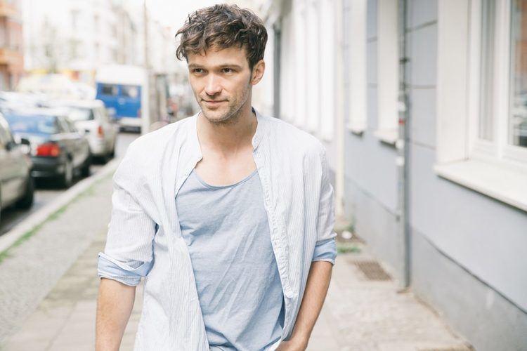 Aleksandar Radenkovic AHOI AGENCY Agentur Talentmanagement Berlin Wien