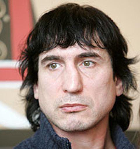 Aleksandrs Kerčs 42 gadus vecais Aleksandrs Kers spls Francij Jaunslv