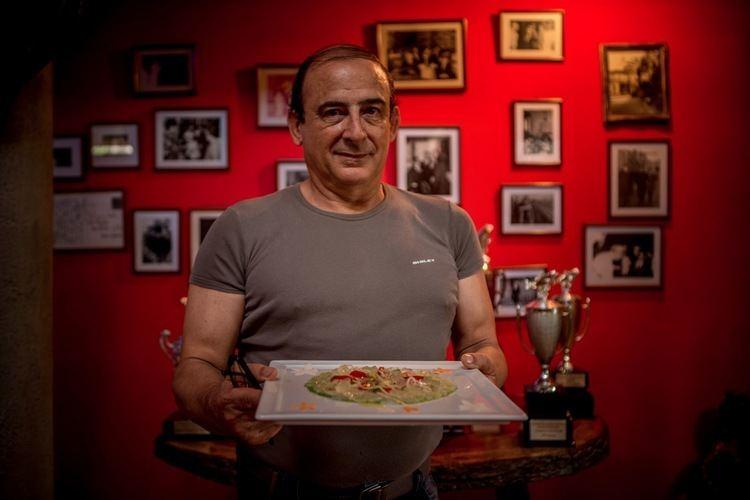 Alessio Casimirri Tao Ruspoli39s Blog Alessio Casimirri serves lunch at the