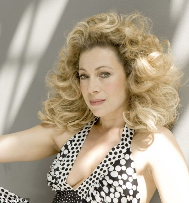 Alex Kingston Is actress Alex Kingstons ready to say tata Tinseltown Daily