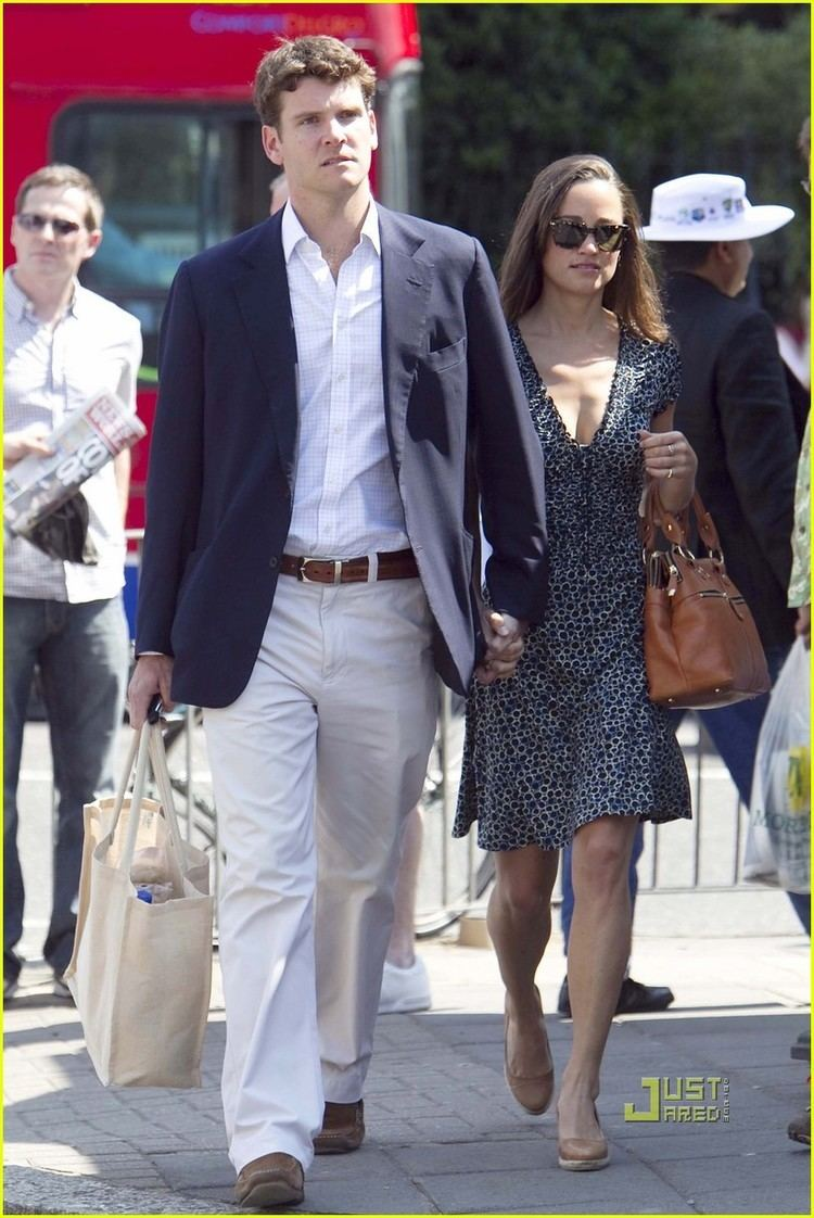 Pippa Middleton Cricket Match with Alex Loudon Photo 2557798